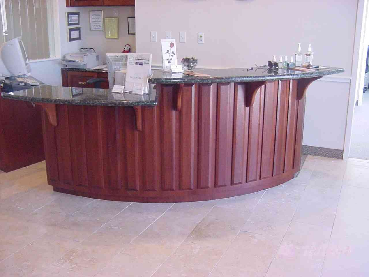 Right reception desk
